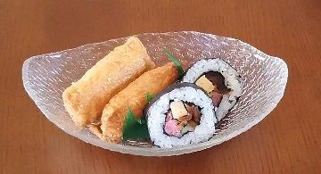 太巻き寿司とおいなりさんDSC_0350