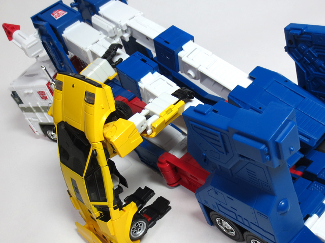 MP22_ULTRA_MAGNUS_b_39.jpg