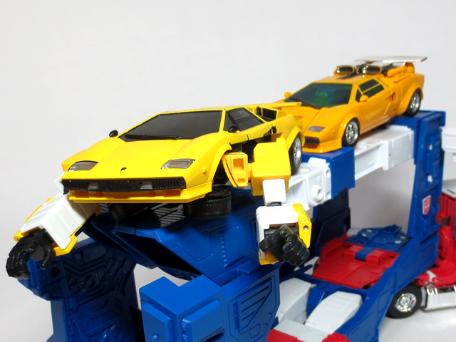 MP22_ULTRA_MAGNUS_b_41.jpg