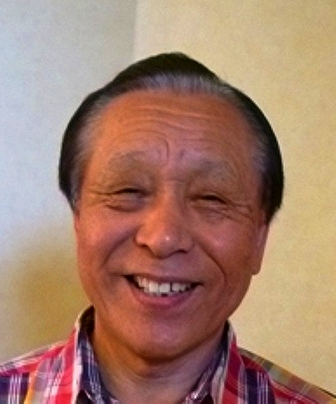 a岩崎康一郎 昭和17年生。立浪会で活躍し、後に七浦民謡研究会を立ち上げ、七浦甚句の保存発展に尽力。佐渡おけさ文三節、古調相川音頭の名人でもあった。