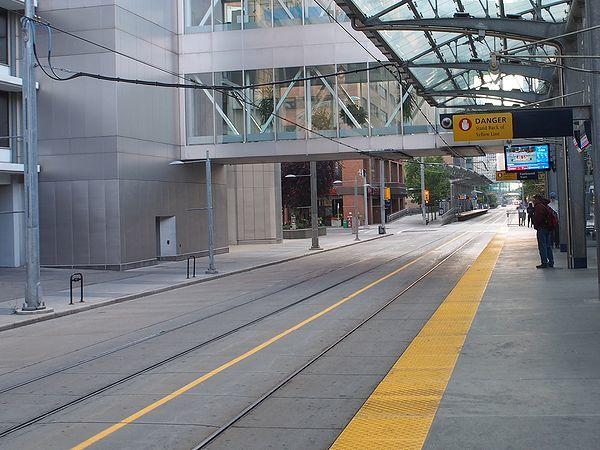 8th Street駅から見た7th Street駅