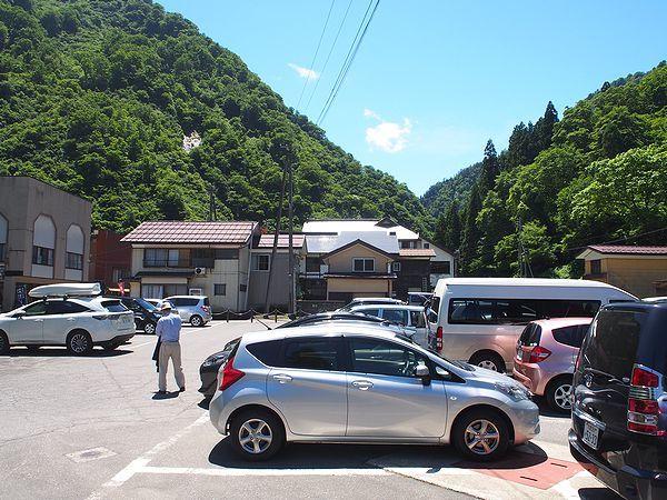 清津峡の駐車場