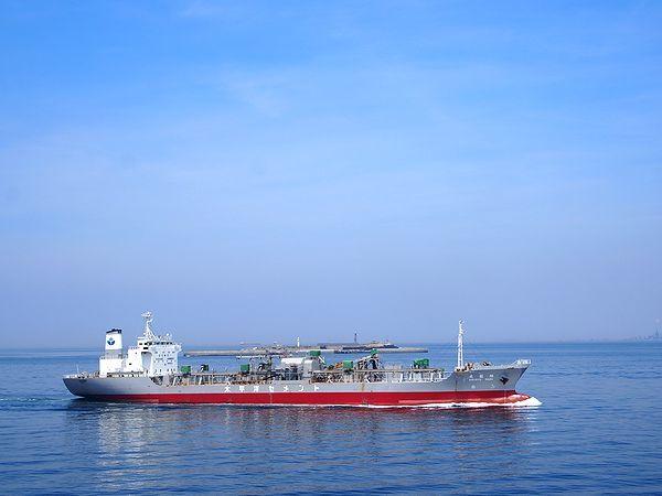 富津沖を通過