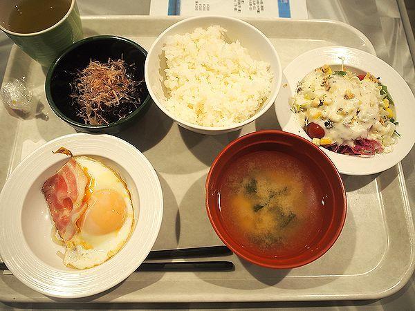 朝食@おがさわら丸