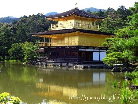 金閣寺です