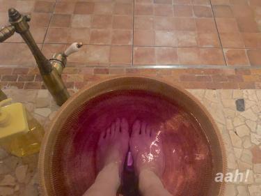 足湯からもうリラックスできる空間。