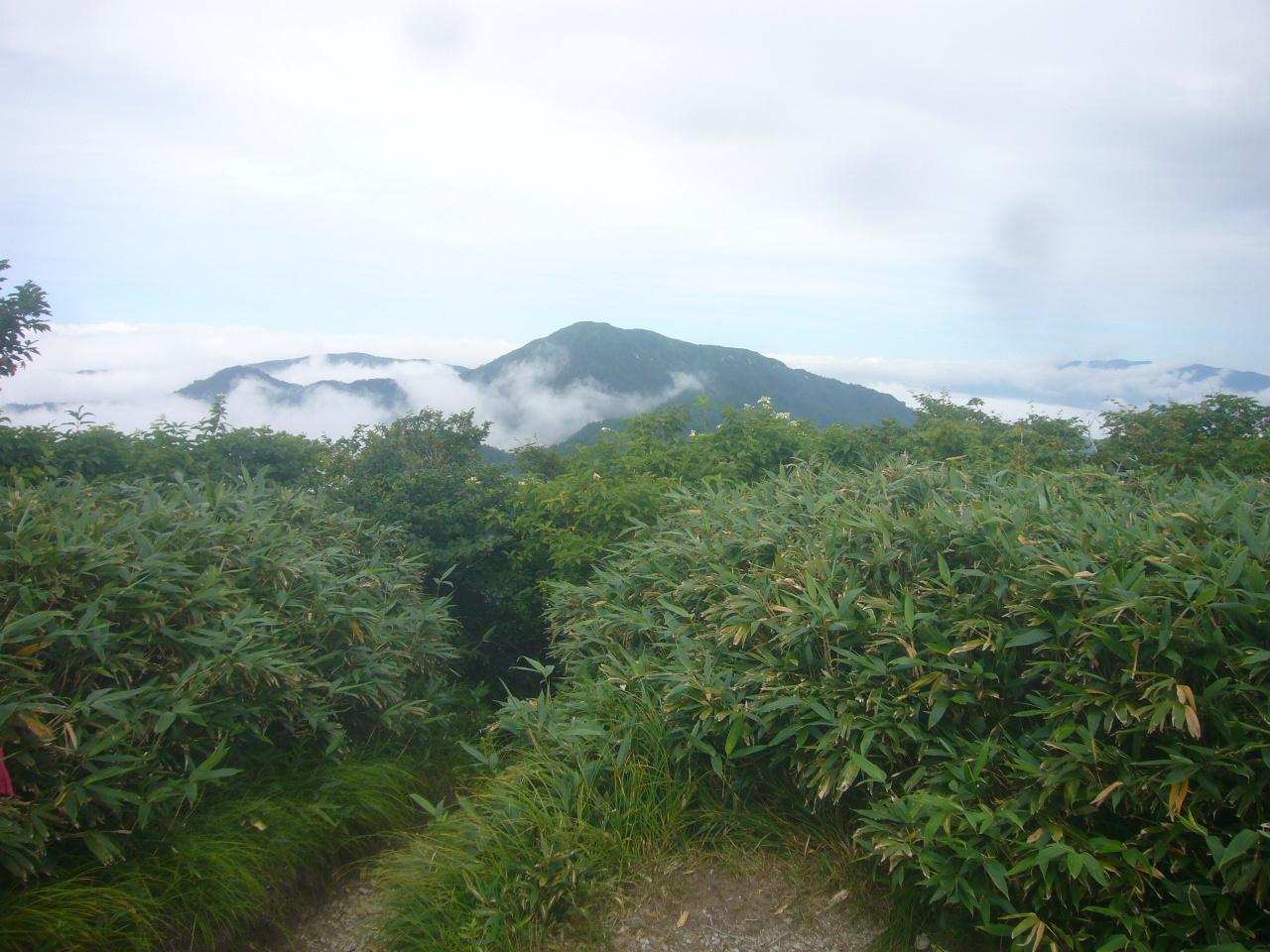赤兎頂上から経ヶ岳 H30.7.28