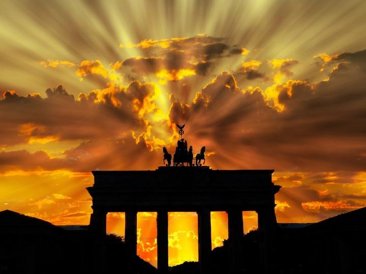nature-horizon-silhouette-cloud-sky-sun-1009911-pxhere-com.jpg