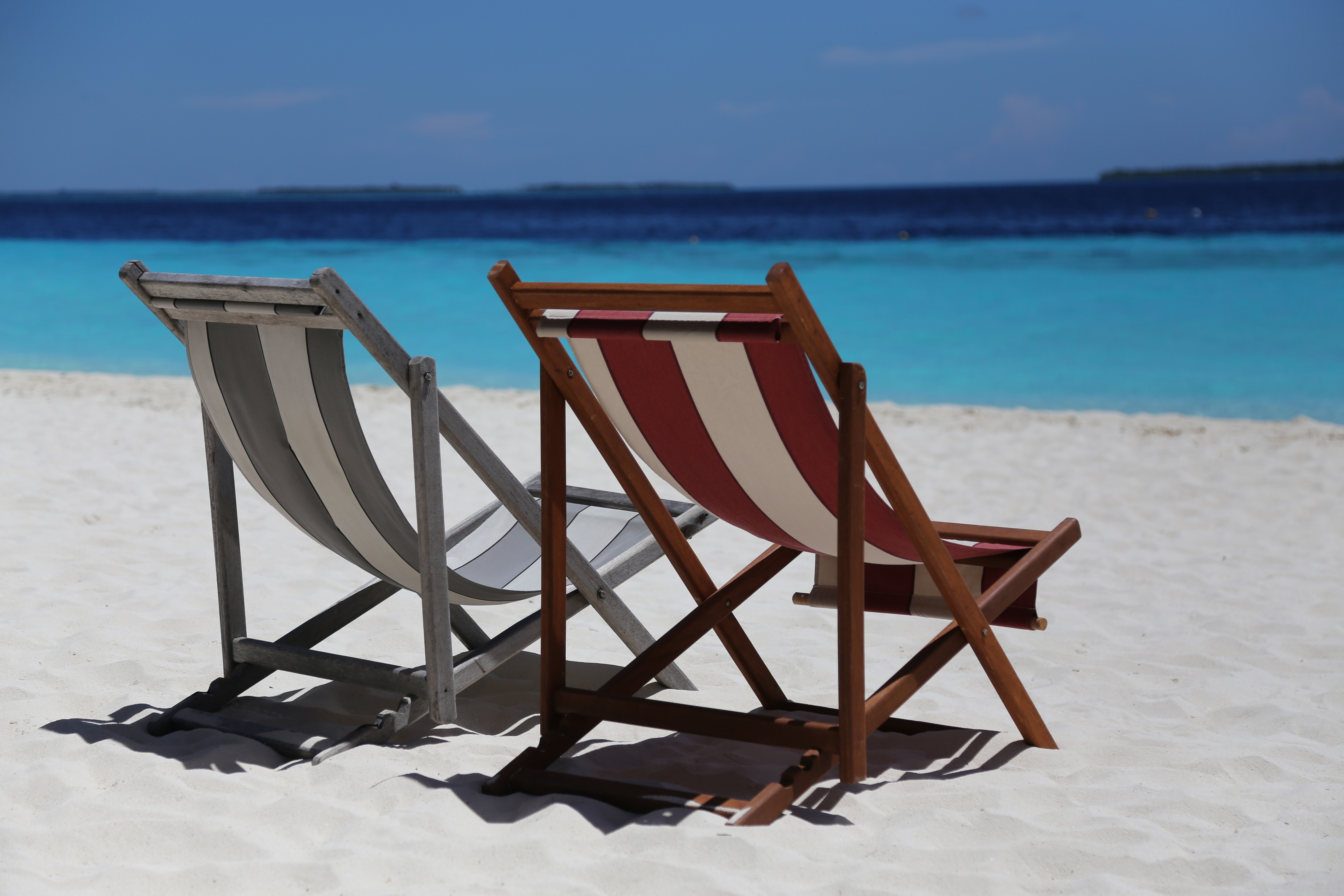 beach-beach-chairs-beautiful-358416.jpg