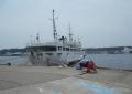 花暮岸壁(船尾から接岸する船)