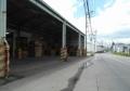 周囲は倉庫街