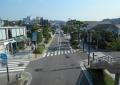 歩道橋から見る鶴岡八幡宮方面
