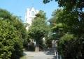 林のなかに教会が
