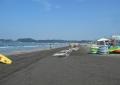 材木座海岸(向こうは由比ヶ浜)