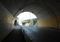 トンネル内から鎌倉側を振り返る