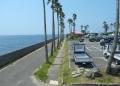 海に面した駐車場