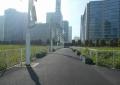 新高島駅から見る空き地