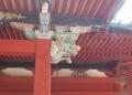 拝殿の柱の飾り