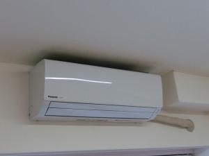 エアコンの設置が完了しました♪