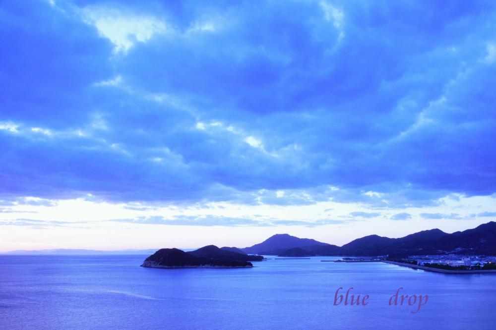 青色の夕暮れ