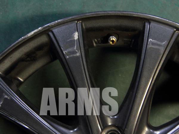 ガンメタ塗装のアルミホイールを修理