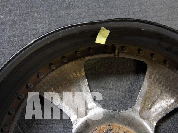 ホイールの内側の曲がりを修理