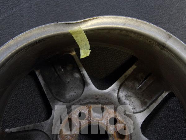 ホイールの内側曲がりを修理
