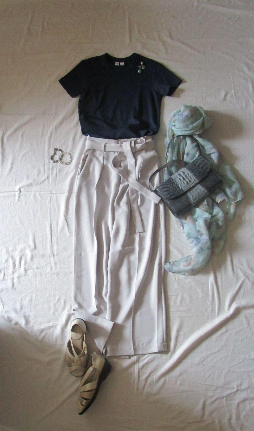 ユニクロユーのクルーネックTシャツ とワイドパンツコーデ (2)
