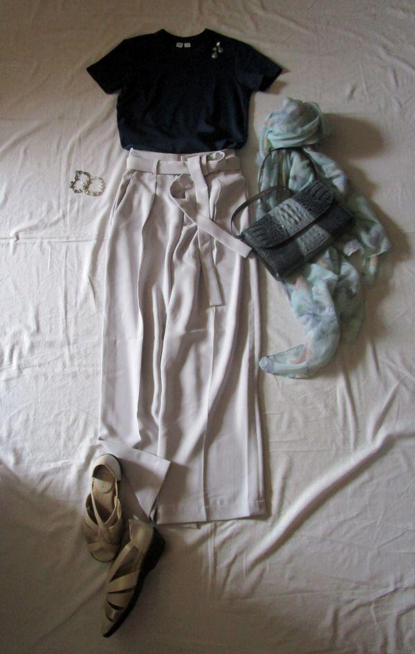 ユニクロユーのクルーネックTシャツ とワイドパンツコーデ (3)