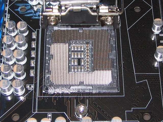 ASUS P8Z68-V PRO/GEN3 LGA1155 CPU ソケット ロック解除後の CPU ソケットピン