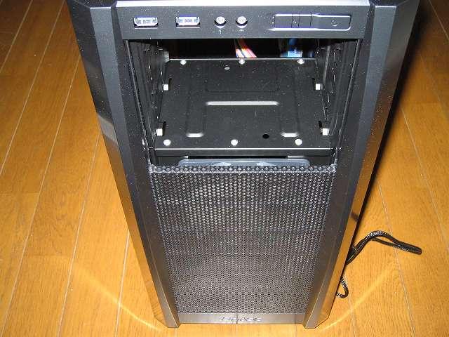 PC ケース Antec Three Hundred Two AB フロントパネルを装着して フロントファン GELID Silent12 の取り付け完了
