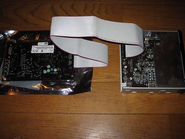 Creative Sound Blaster X-Fi Fatal1ty PCI Card と 5 インチ I/O ドライブを PC ケース Antec Three Hundred Two AB を ASUS P8Z68-V PRO/GEN3 に取り付け、Creative Sound Blaster X-Fi Fatal1ty PCI Card と 5 インチ I/O ドライブは別売り Lumen IDE フラットケーブルケーブル FC-IDE1L 55cm で接続しておく、後からサウンドカードと 5 インチ I/O ドライブを IDE ケーブルで接続するのは困難なため