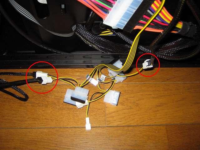 ファンコントローラー NZXT SENTRY 2 の 3ピンファンコネクターにケースファン(GELID Silent12)を接続