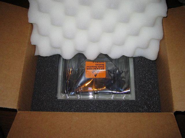 Seagate HDD RMA 梱包用ダンボール・スポンジ・静電防止袋・静電気防止プラスチック・ケース(SeaShell) 今後の RMA 再利用のため保管