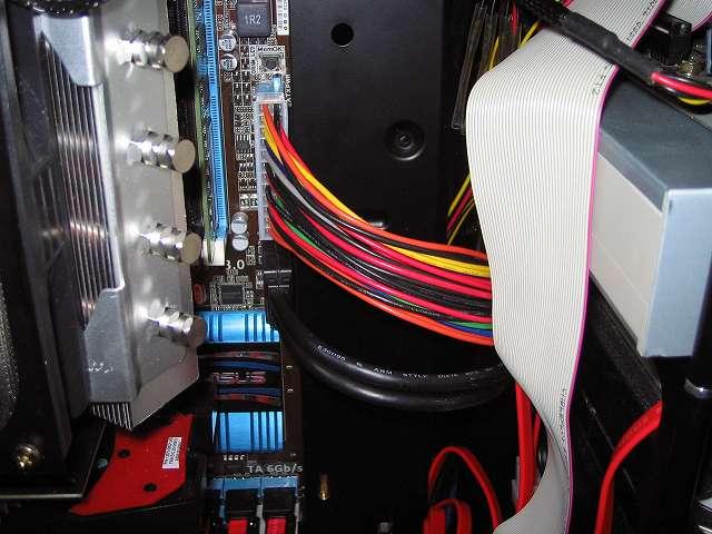 アイネックス ATX 用電源延長ケーブル WAX-2430 と Antec Three Hundred Two AB フロントパネル USB 3.0 ケーブルコネクター