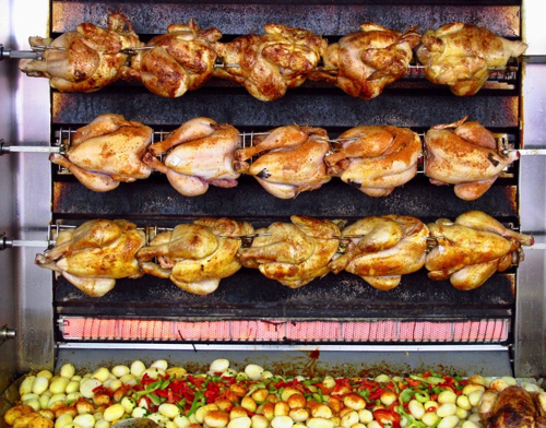 poulet-rocc82ti-rotisserie-chickens-at-the-market-in-amboise-loire-valley-france copy