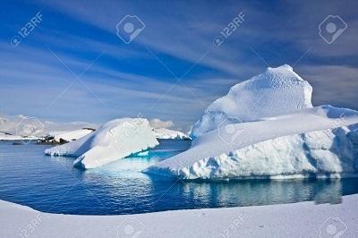 9747305-南極の氷山[1]