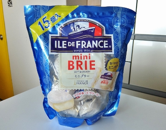 コストコ  ミニブリーチーズ Mini Brie 15P 1,378円也 mini Brie soft&creamy