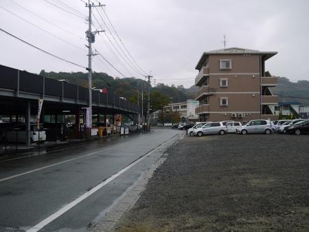 左手に西口駐車場