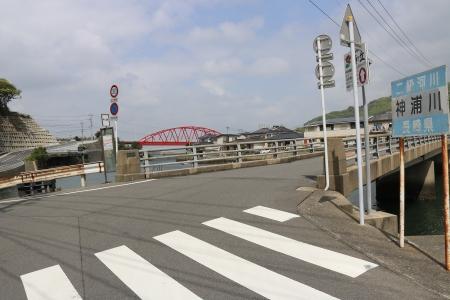 バス停「神の浦橋」