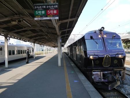 長崎駅に進入
