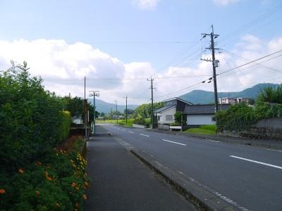 駅前から南の方へ