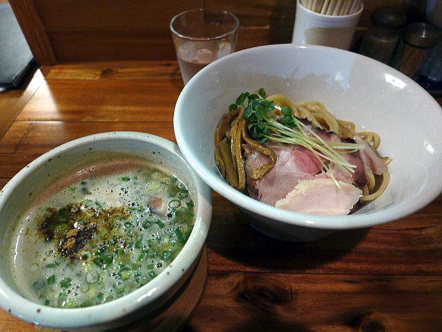麺と酒 一帆@06鶏煮干のつけ麺 1