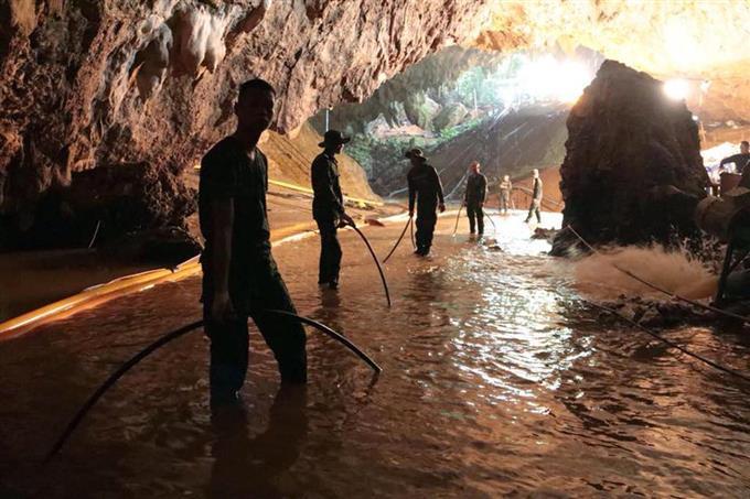 タイ北部チェンライ県の洞窟