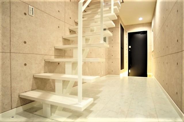 滋賀県 大津市 ルーフバルコニー おしゃれ かっこいい デザイン 注文住宅 吹抜け階段 オープン階段 鉄骨階段