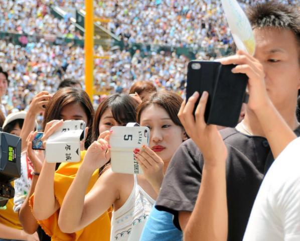【高校野球 歌で応援】福岡・沖学園の部員、甲子園で「うますぎる」応援歌ソロ、周りの観客も思わず撮影
