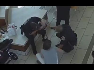 【いいね!】リアルヒーロー!喉を詰まらせた赤ちゃんを警察官が助けた!