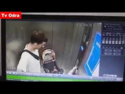 【苦笑】エレベーターでお父さんと赤ちゃんが引き離された・・・