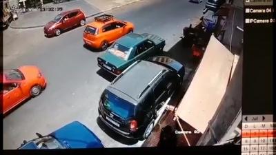 【苦笑】10歳の女の子が交通事故・・・母親の見てる前で・・・