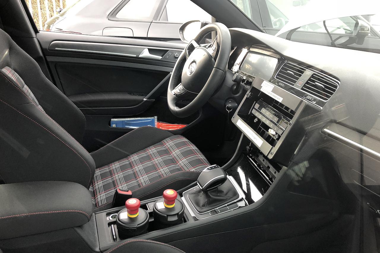 VW Golf Mule 016